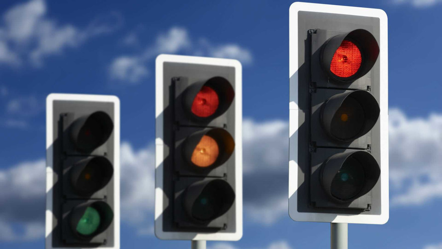Green light for congestion-busting traffic lights in London