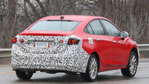 Chevy Cruze Hybrid spied for the first time