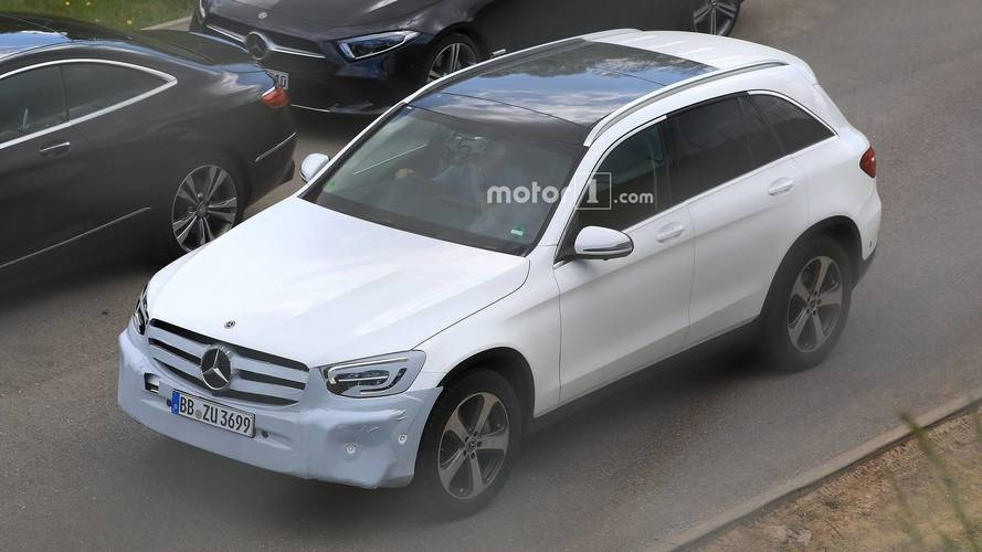 2019 Mercedes GLC facelift spy photos
