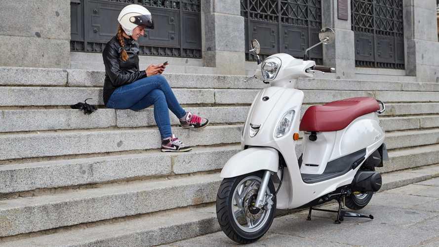 KYMCO apuesta por las usuarias femeninas con el nuevo Filly 125