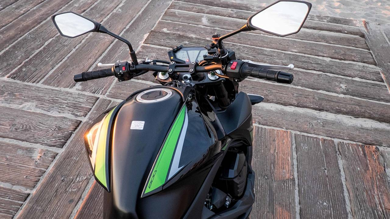 A Month with the 2016 Kawasaki Z800 - Full Review