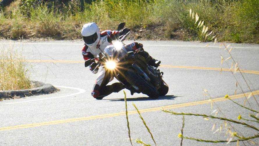 RideApart Review: Aprilia Tuono V4R
