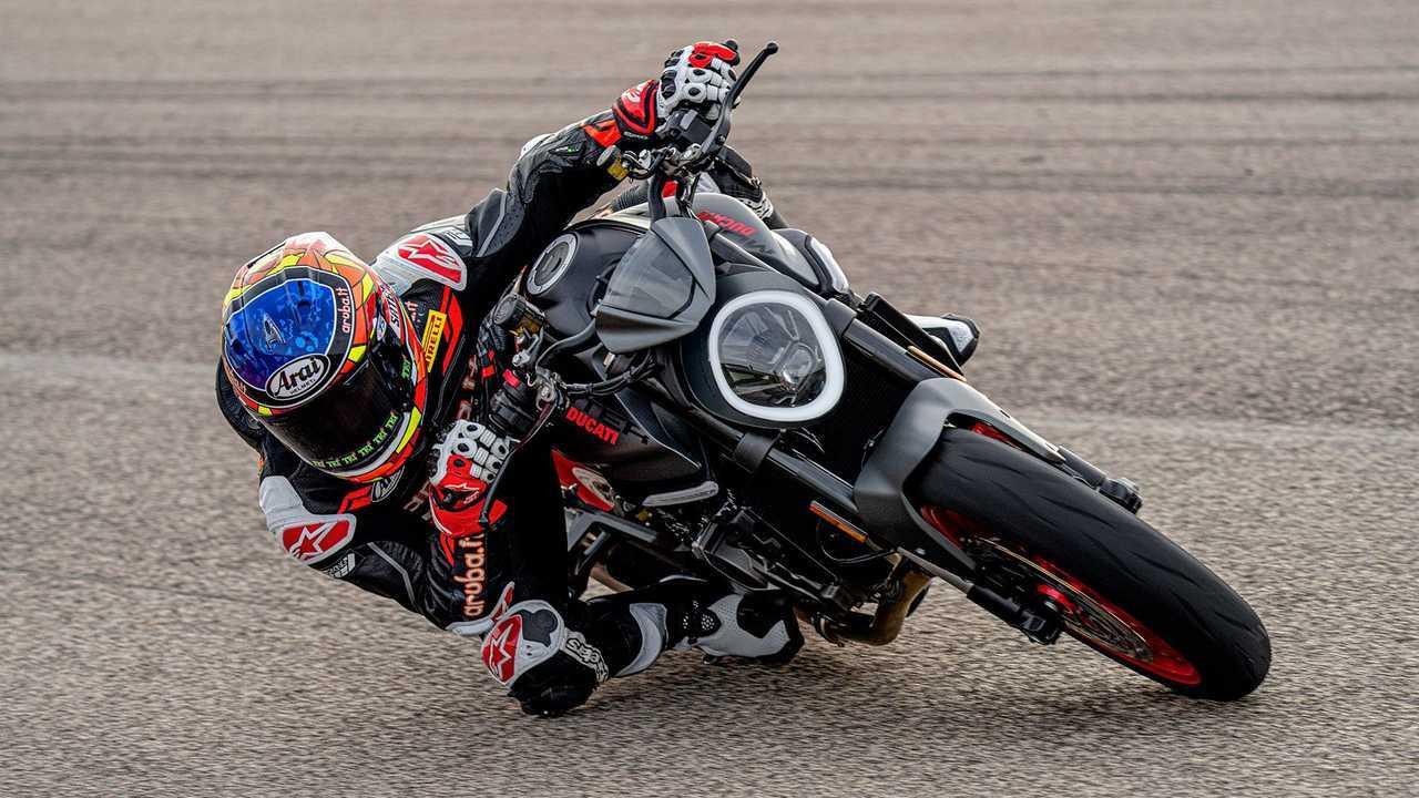 2021 Ducati Monster - Track