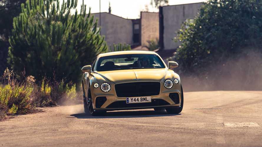 A Bentley megfaroltatta a Continental GT Speedet, hogy bizonyítsa: nem csak üzletembereknek készítenek autókat