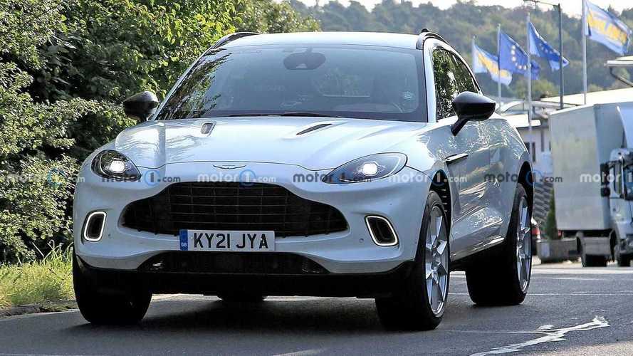 Aston Martin DBX híbrido: fotos espía en Nürburgring