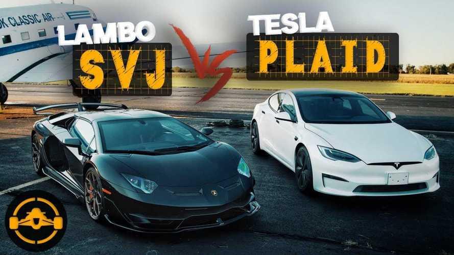 Tesla Model S Plaid Destroys Aventador SVJ In Half Mile Drag Race