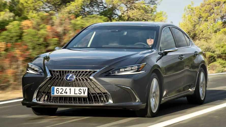 Lexus ES 300h (2021) im Test