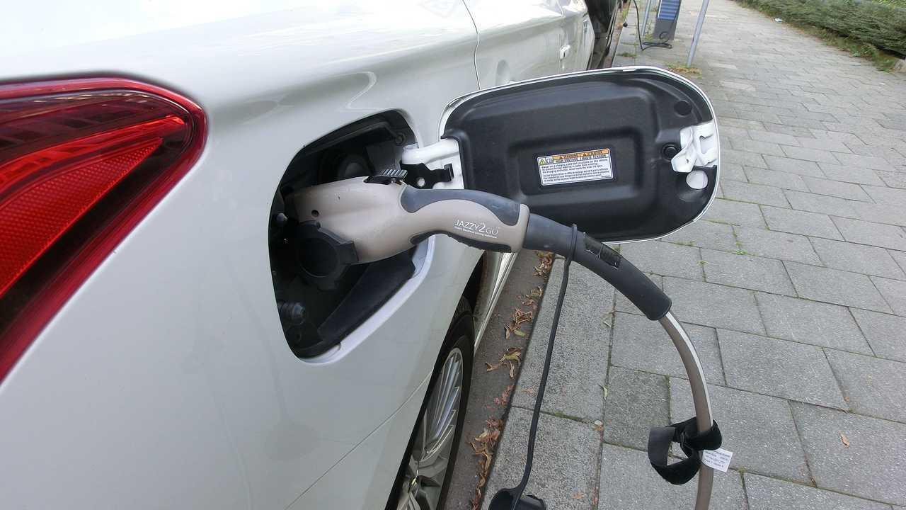 Jetzt fahren eine Million E-Fahrzeuge auf deutschen Straßen