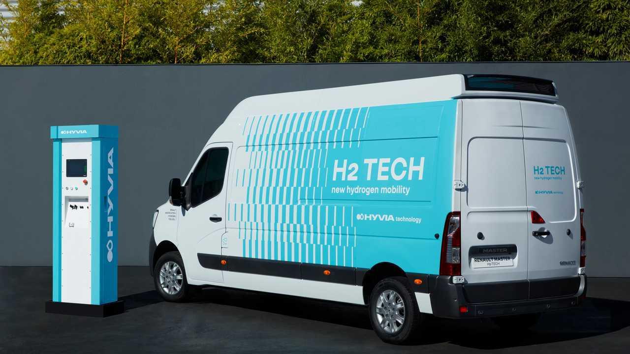 Renault Master Van H2 con stazione di ricarica