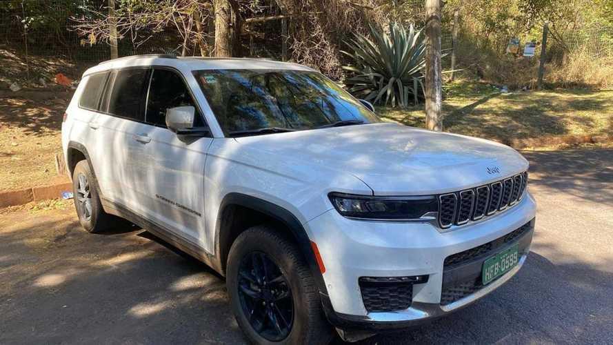 Novo Jeep Grand Cherokee L 2022 é flagrado no Brasil