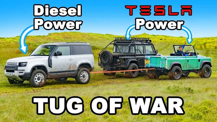 Videó: Meg tudja-e verni az új Land Rover Defendert egy régi, melyet villanyautóvá alakítottak?