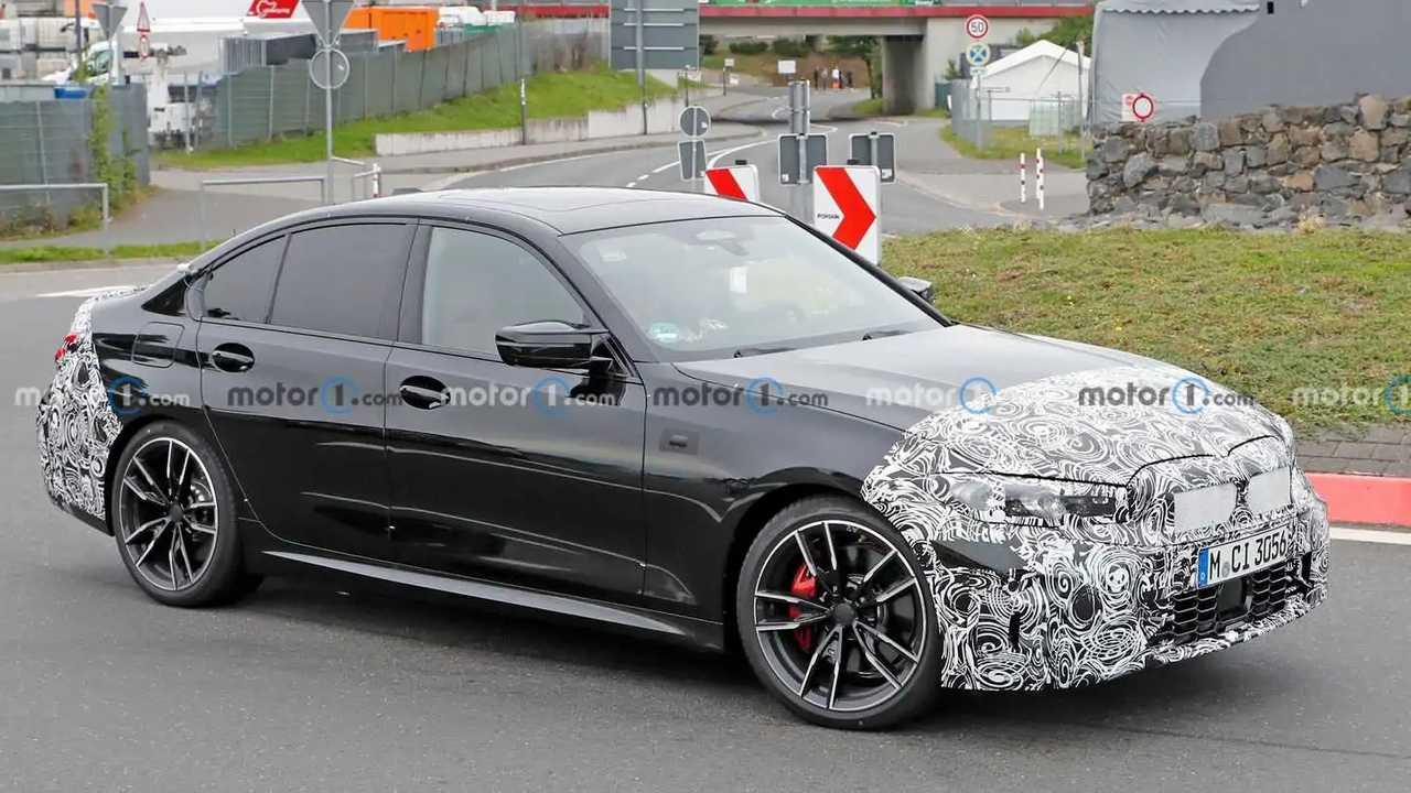2022 BMW 3 Series M340i Sedan facelift spy photo