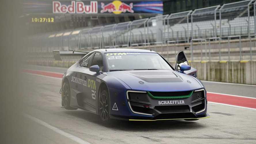 La voiture électrique du DTM va prendre la piste sans pilote!