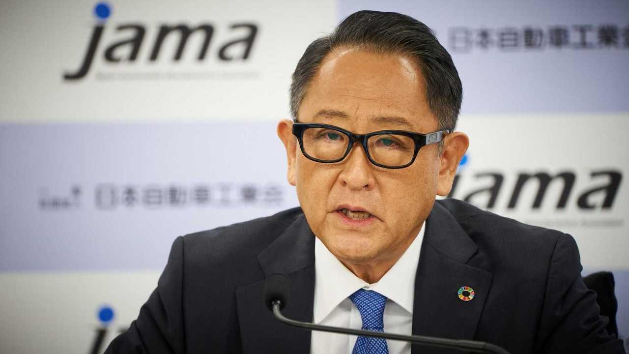 Akio Toyoda presiding over the JAMA September 9 press conference 2