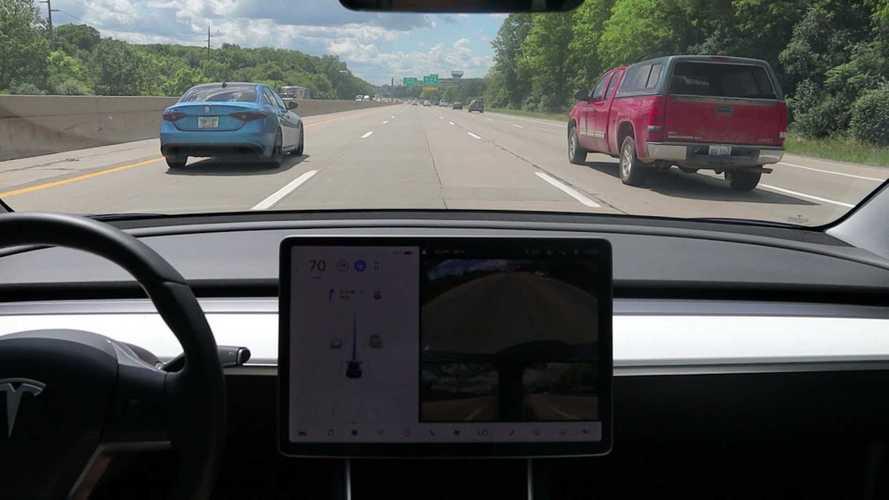 Tesla FSD 10.2 Doesn't Instil Confidence Driving Through Detroit