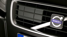 Volvo Collision Warning with Auto Brake Long range radar placed behind the grille