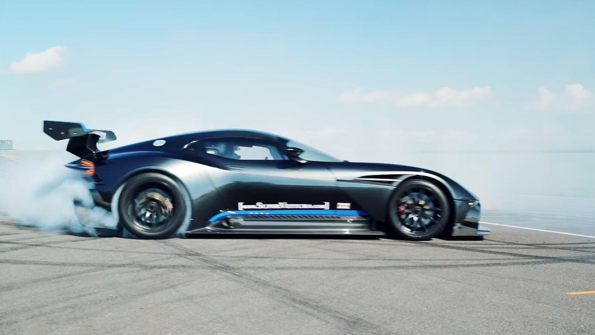 Aston Martin Vulcan >> Watch Four Minutes Worth Of Aston Martin Vulcan On Track Fury