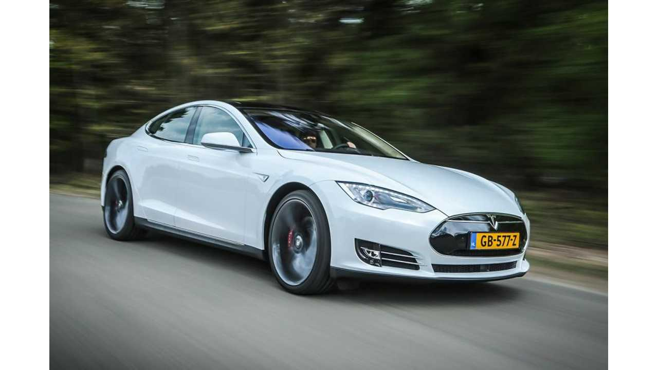 Tesla Model S P85D Versus Bentley Mulsanne Speed - Comparison