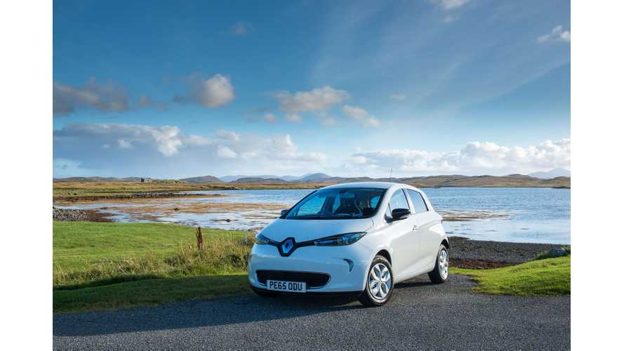 """Renault ZOE Named """"Best Electric Car Under £20,000"""" By What Car? For Third Year In A Row"""