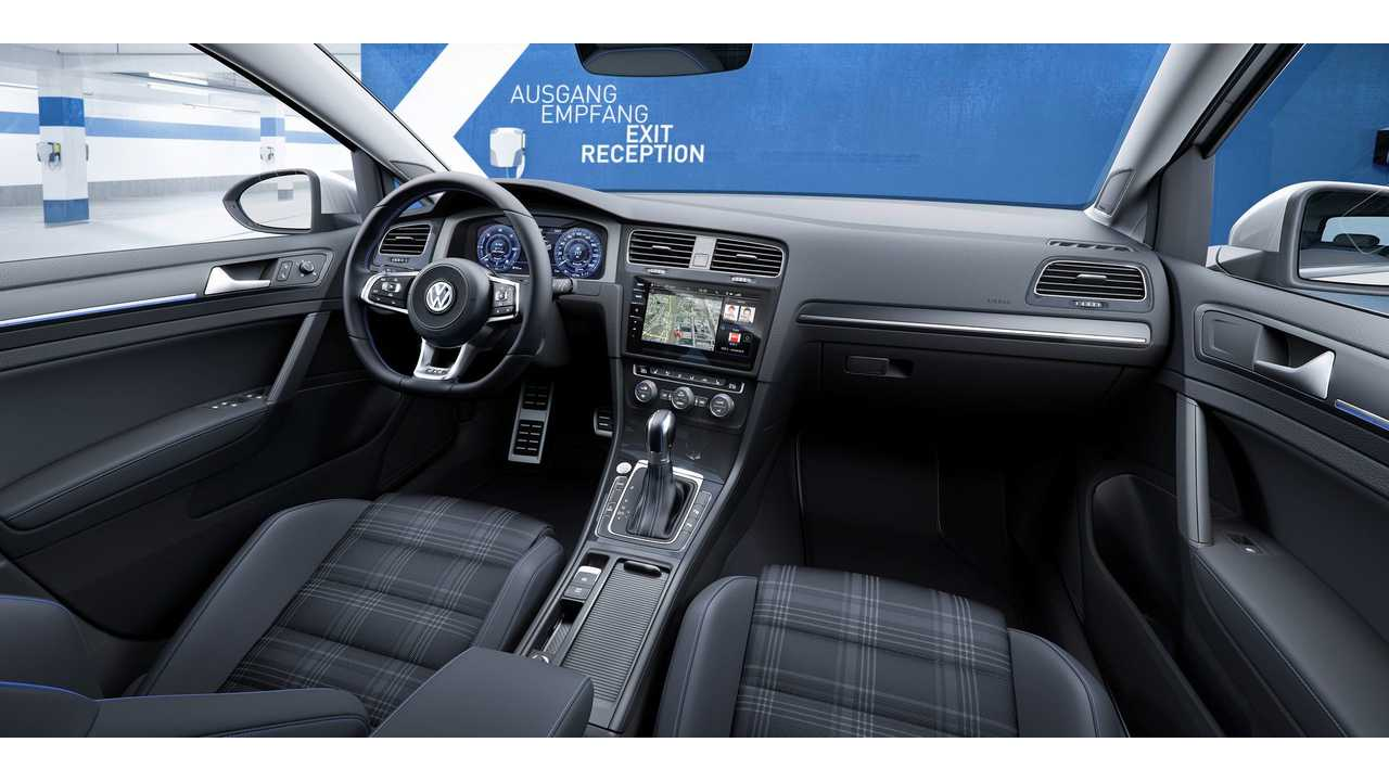 2017 Volkswagen Golf GTE Interior