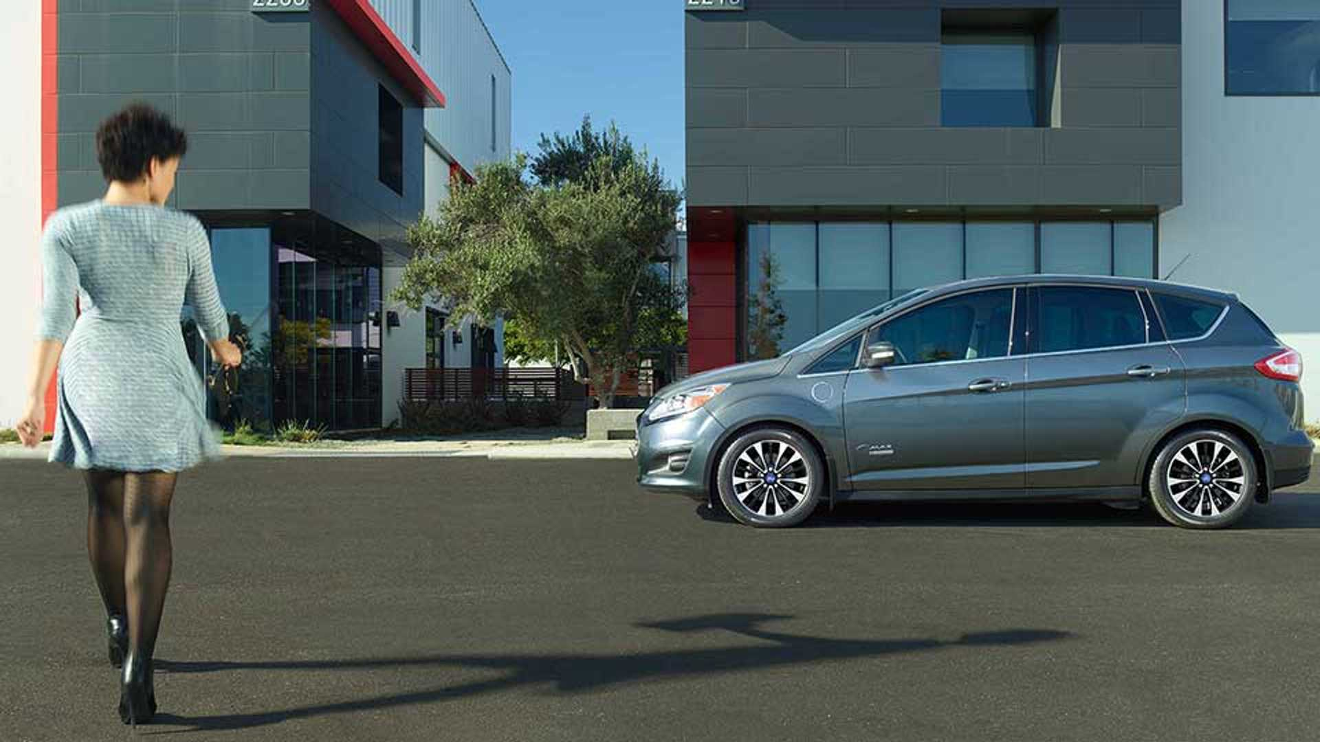 Refreshed 2017 Ford C Max Energi Gets 4 650 Lower Price Now From 27 120