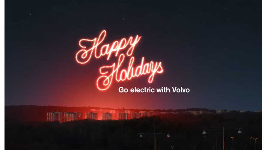 Happy Holidays From InsideEVs (Santa Arrives via An eBus This Year)