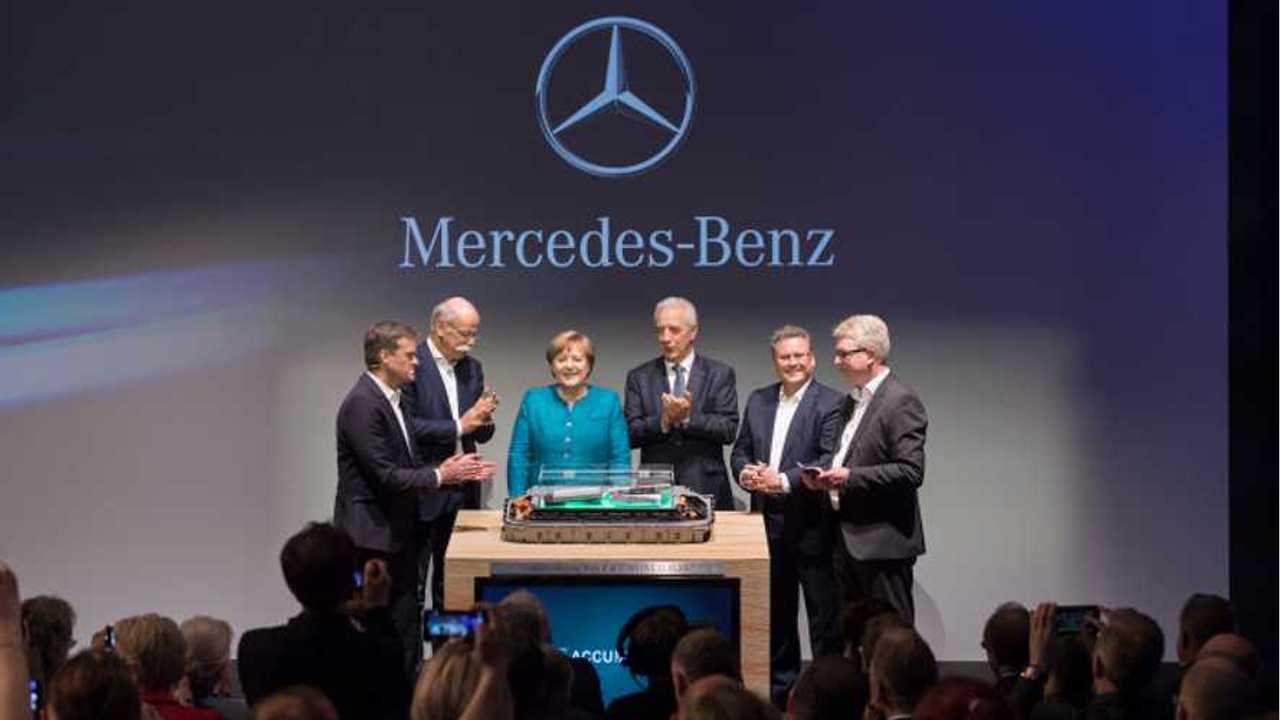 Daimler Breaks Ground On Tesla-Like Battery Gigafactory In Europe