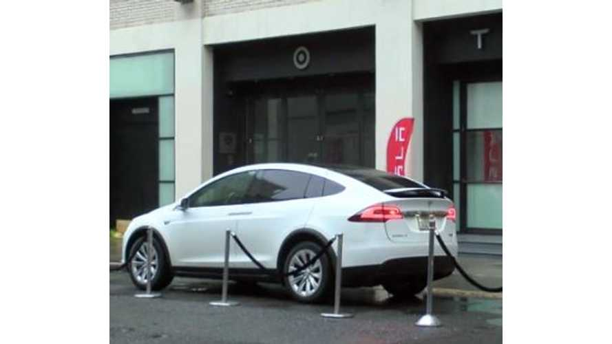 "Tesla Model X Test Drive Review: Electric SUV Is ""Mind Blowing"" (w/video)"