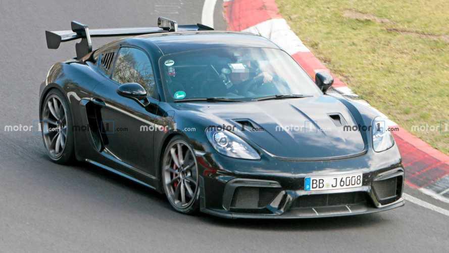 Porsche 718 Cayman GT4 RS und weitere Neu-Sportler bei harten Tests am Ring gefilmt
