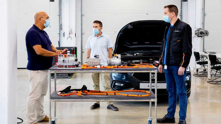 SEAT Opens Electromobility Learning Center To Gear Up For The Future