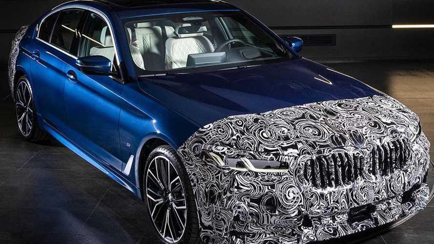 Újabb képeket osztott meg a BMW a frissített ötösről és a hatos GT-ről