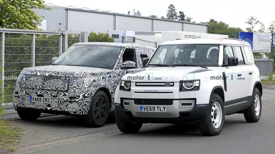 Новый Range Rover вышел на тесты в компании «Дефендера»