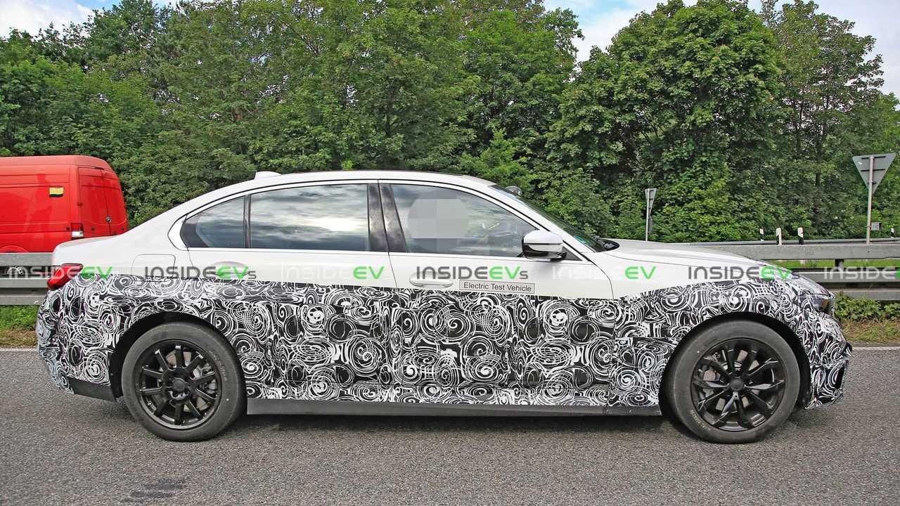 Шпионские фото электрической BMW 3-й серии