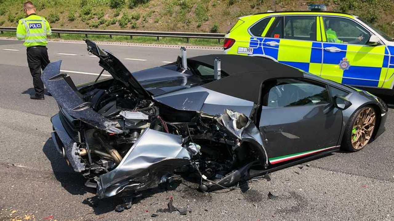 Lamborghini Huracan Performante Spyder crash