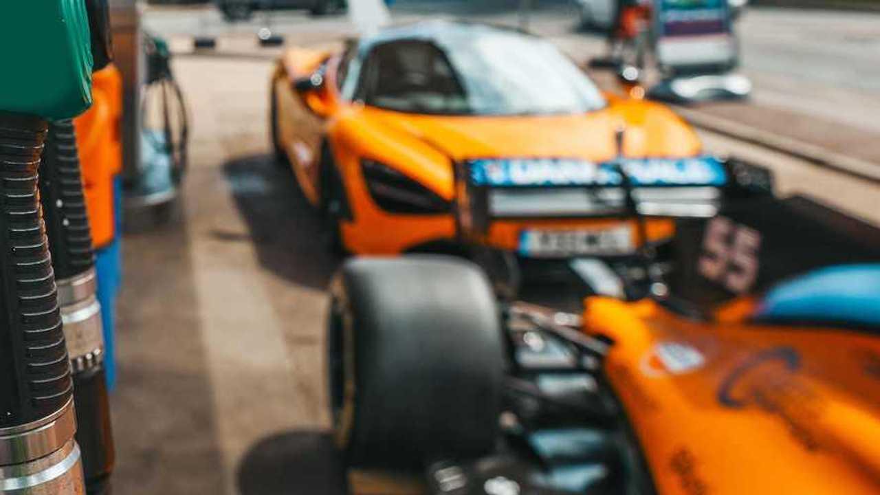 McLaren 720S and Gulf Oil teaser