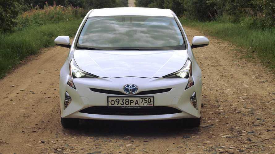Тест-драйв Toyota Prius: почти электро