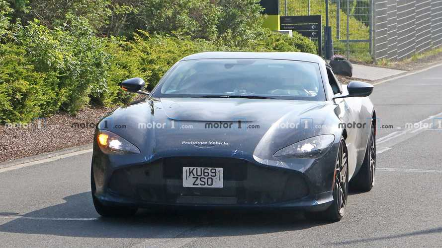Aston Martin Zagato casus fotoğraflar