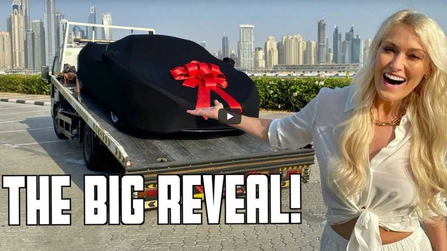 Supercar Blondie unveils the new supercar she bought in Dubai
