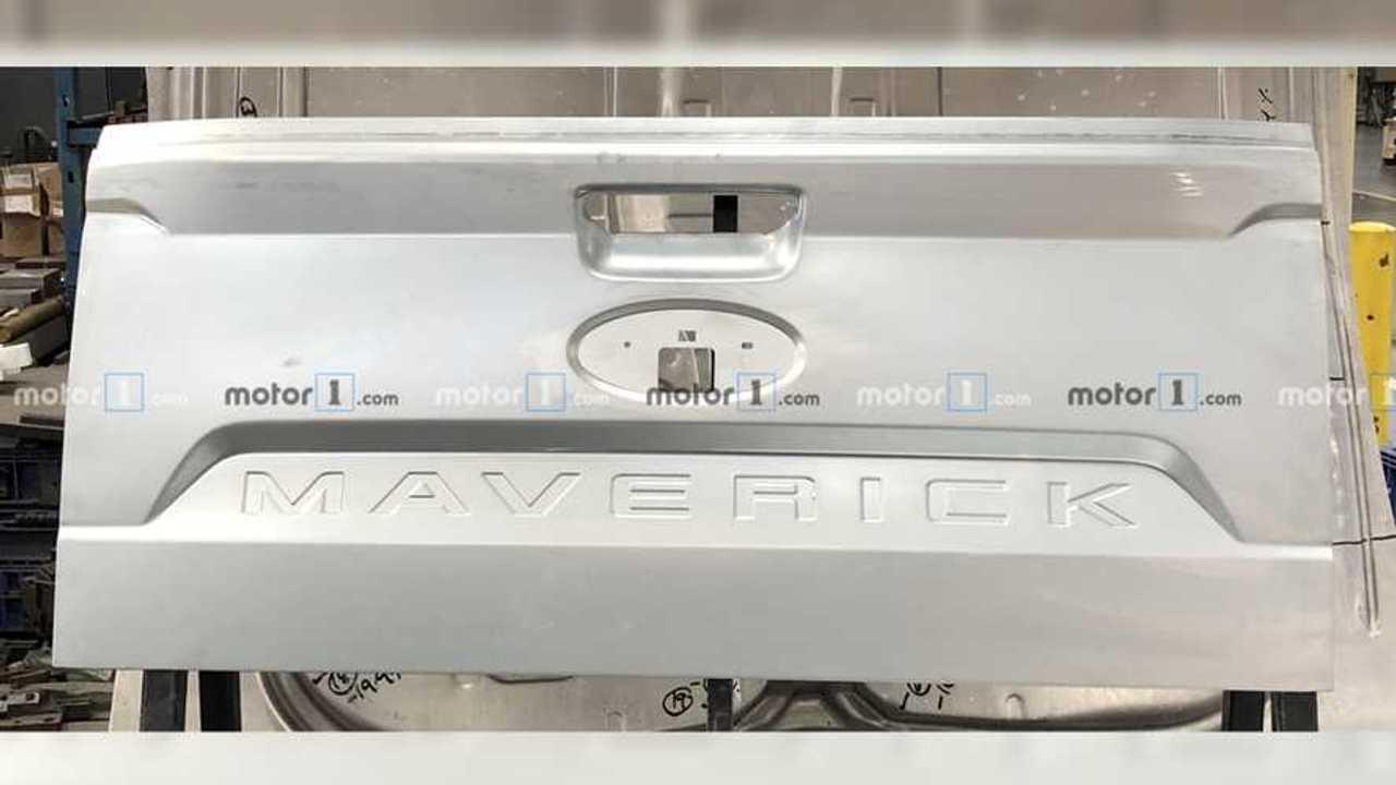 Ford Maverick Bagaj Kapağı