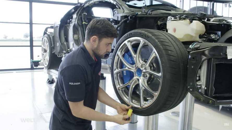 50 perces dokumentumfilm készült arról, hogyan gyártják a Bugatti Chiront