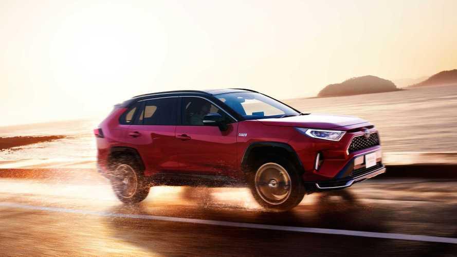 Самая быстрая и экономичная Toyota RAV4: новые подробности