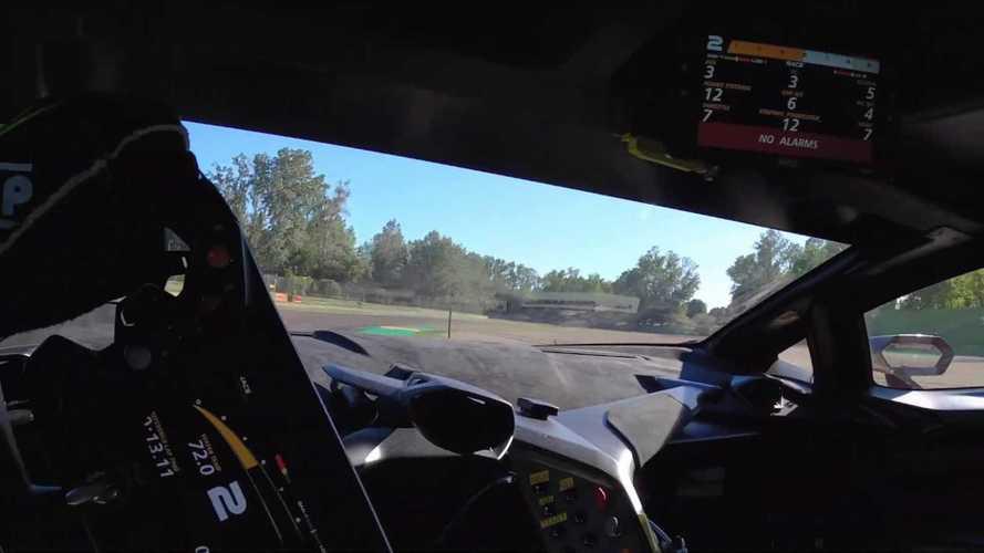 Fantasztikus belső kamerás felvételen az új Lamborghini SCV12