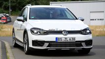 Volkswagen Golf R Estate Spy Photos