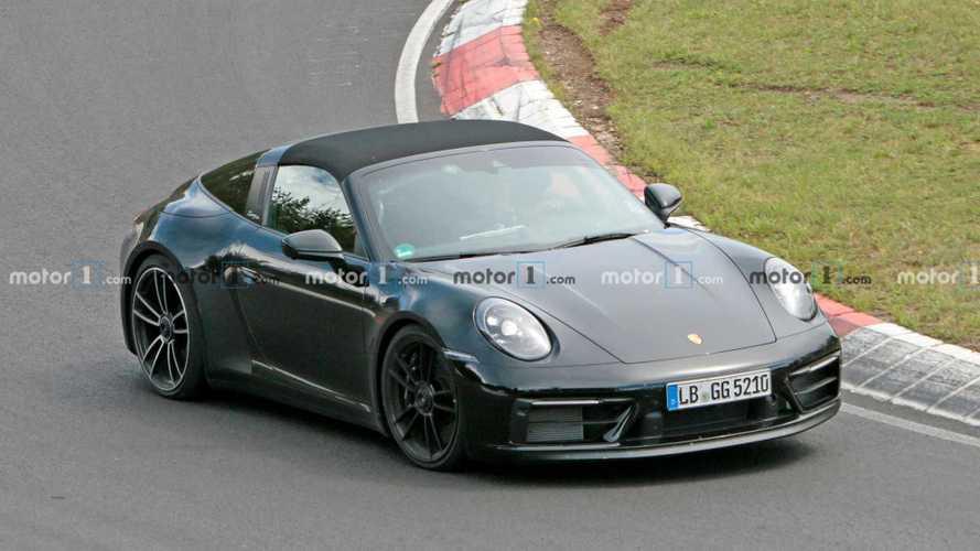 Porsche, kamuflajsız 911 GTS Targa prototipleri ile Nürburgring'de