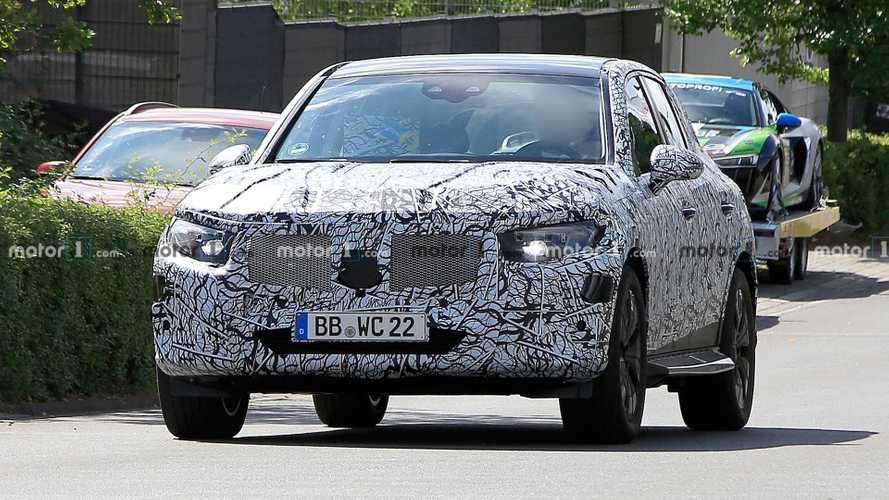 Nuova Mercedes GLC, le foto spia