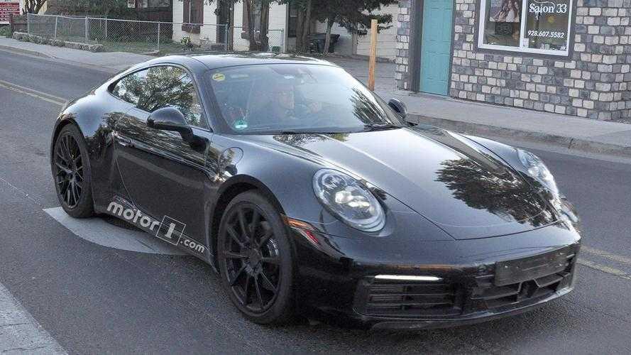 Porsche 911 neredeyse tamamı dijital gösterge paneliyle yakalandı