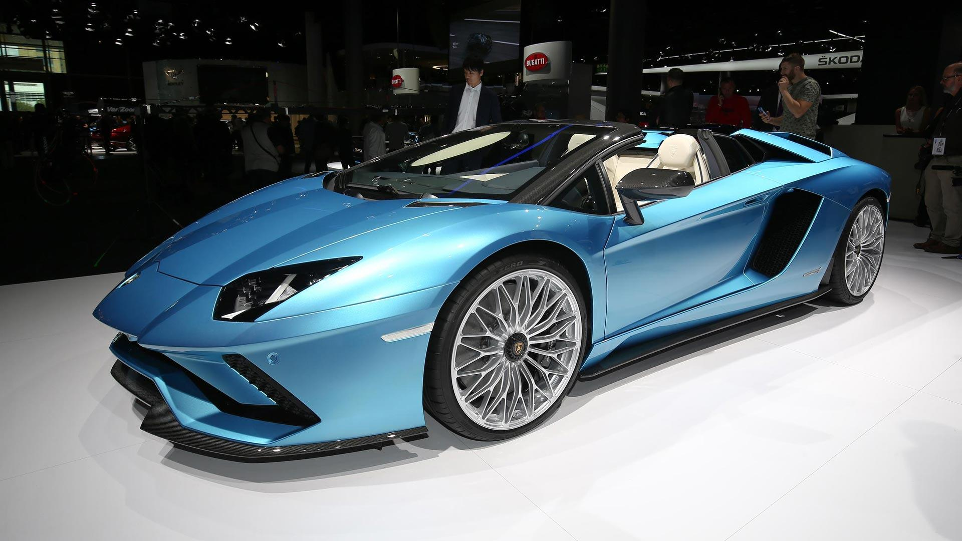 Lamborghini Aventador S Ditches Its Roof For New 730 Hp Roadster
