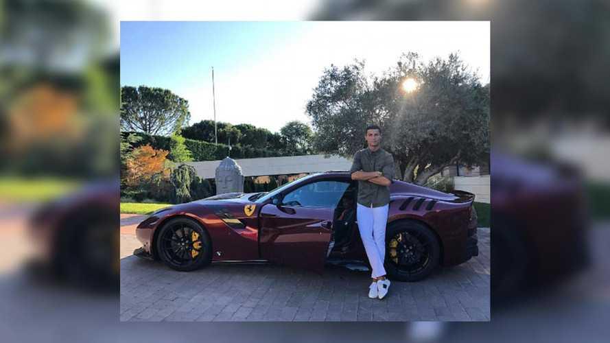Cristiano Ronaldo montre sa nouvelle Ferrari