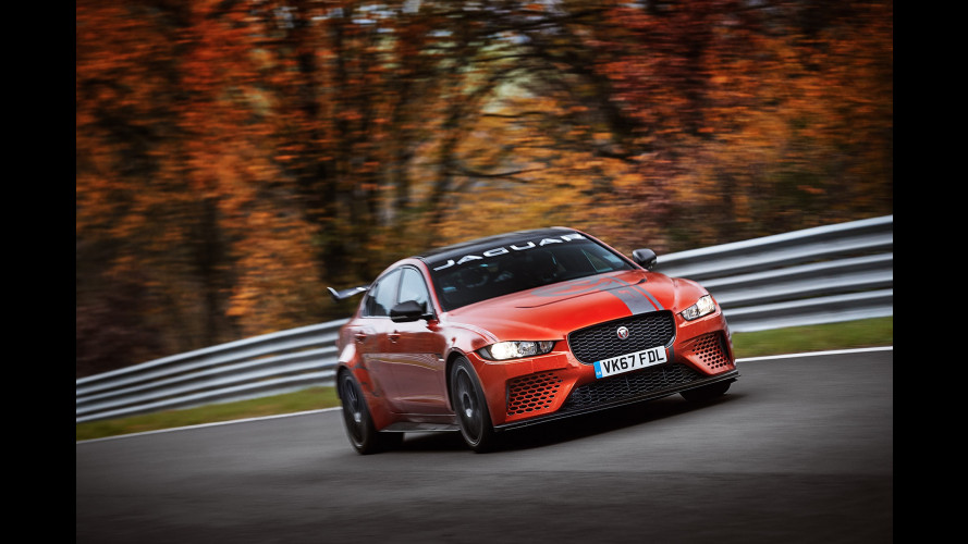 "Jaguar XE SV Project 8, record al Nurburgring in 7'21""23"