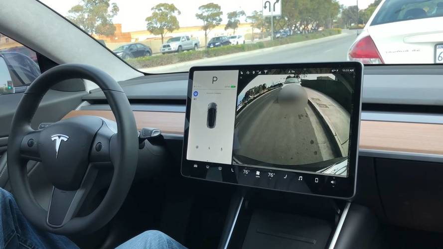 Tesla Model 3 Parallel Parks Itself